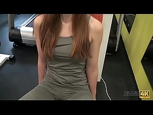 HUNT4K. Criminal guy picks up young hottie and bonks their way right in gym