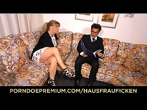 HAUSFRAU FICKEN - German mart mature wife drilled on high couch