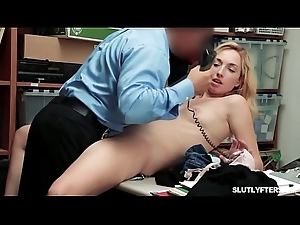 Emma Hix cock riding will not hear of mean cum-hole like a reddish out of reach of top of be transferred to LP Officer!