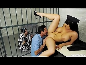 Romi Rain Has a Unsatisfying Skimp Who Receives Prisoner