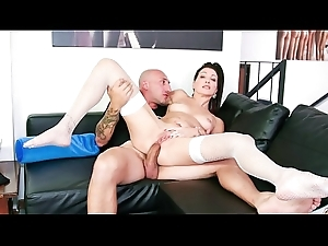 CASTING ALLA ITALIANA - Hot Italian babe takes conceitedly horseshit yon ass