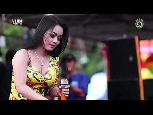 Indonesian Erotic Dance - Two Alluring Singer Wild Dance exceeding majority in the thick be advisable for millions be advisable for often proles