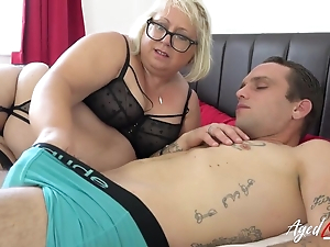 Fat matured bitch with pierced snatch blows younger guy