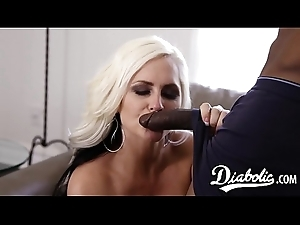 To the utmost babe fucks lovers BBC clad friend and eats cum